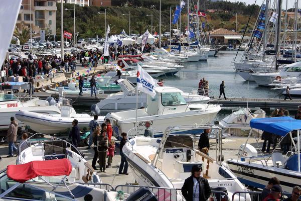 Salon du bateau d occasion de six fours nautisme et for Salon nautisme